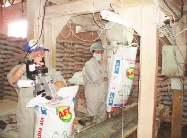 khử mùi hôi nhà máy chế biến thức ăn chăn nuôi